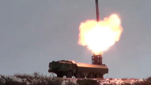 Publican el vídeo del lanzamiento del misil supersónico ruso Onix - Sputnik Mundo