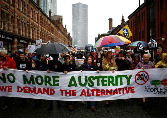 Protesta en Mánchester contra el partido conservador británico