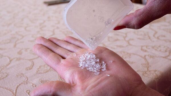 Los cristales que cayeron de los ojos de Satenik Kazarián - Sputnik Mundo