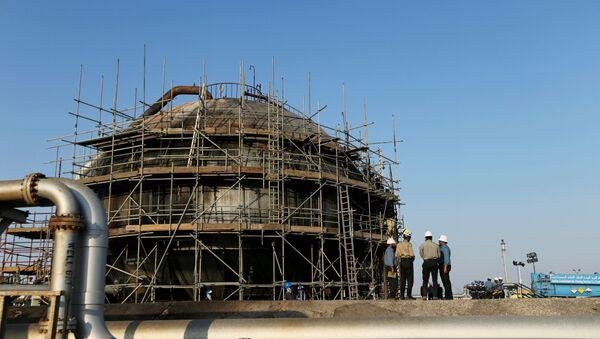 La reparación de las refinerías en Arabia Saudí - Sputnik Mundo