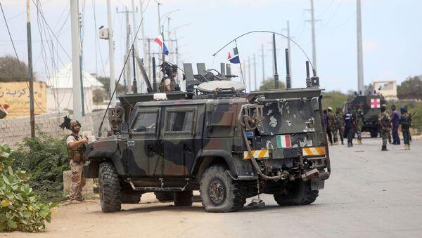 Convoy militar italiano tras la explosión en Somalia - Sputnik Mundo