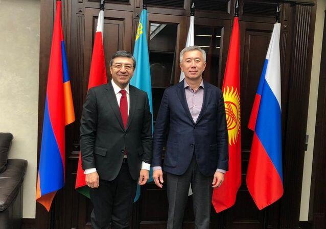 Reunión con el Ministro a cargo de la Competencia y Reglamento Antimonopolio de la Comisión Económica Euroasiática, Serik Zhumangarin.