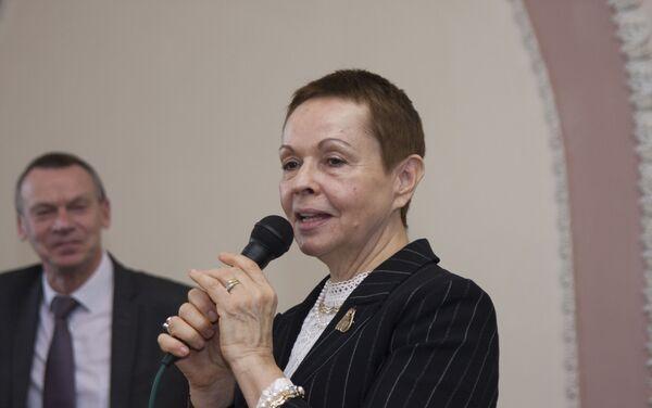 La autora de biografía sobre Yuri Knórozov, Galina Ershova, en la presentación del libro - Sputnik Mundo