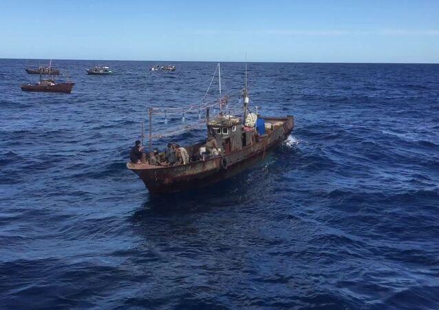 Las embarcaciones norcoreanas con pescadores furtivos en las aguas rusas