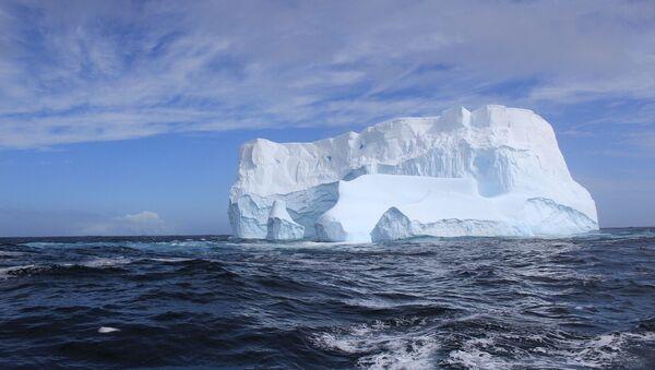Un iceberg  - Sputnik Mundo