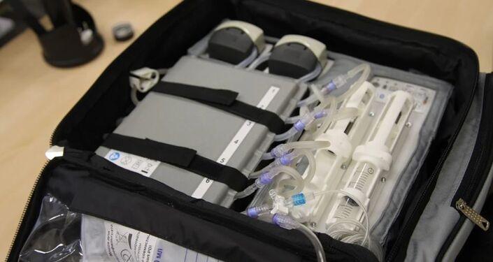 El riñón artificial portátil por dentro