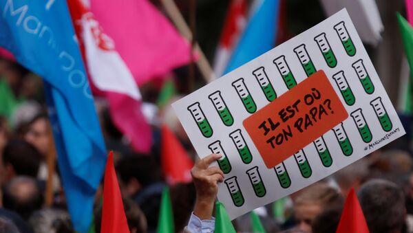 Protestas contra la ley de reproducción asistida en París - Sputnik Mundo