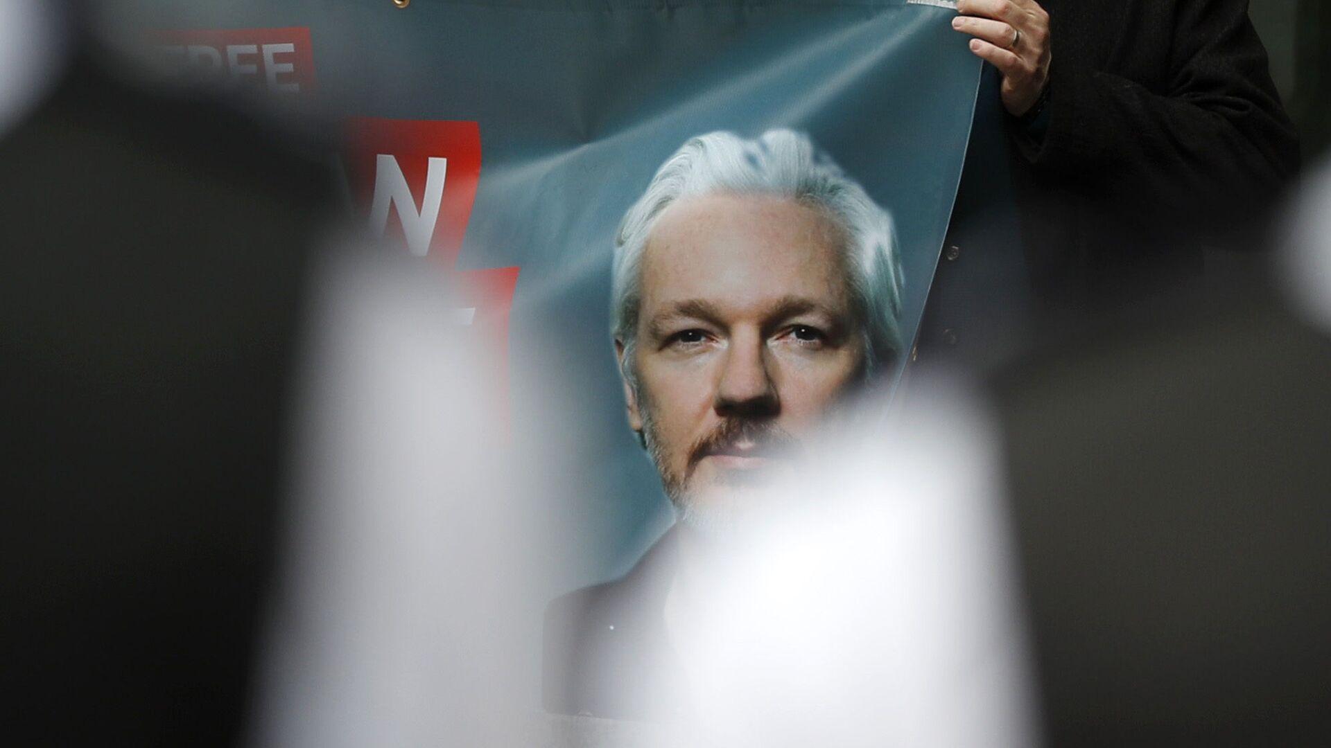 Retrato de Julian Assange, fundador de Wikileaks - Sputnik Mundo, 1920, 07.07.2021