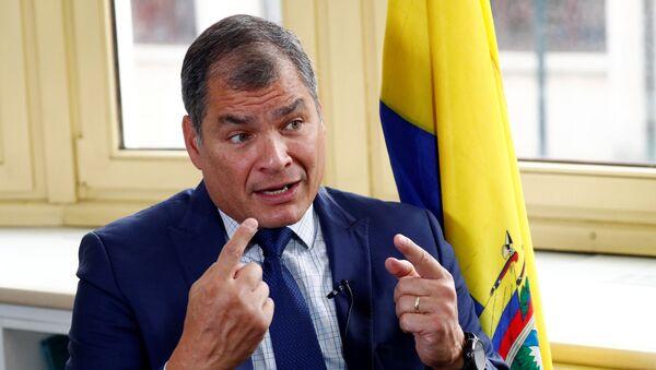 Rafael Correa, expresidente de Ecuador, durante un entrevista con Reuters - Sputnik Mundo