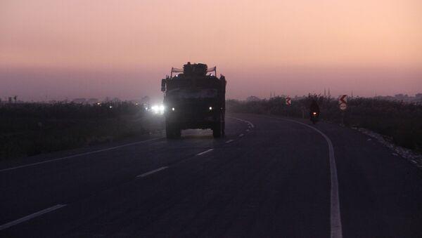 Los blindados turcos en la frontera con Siria - Sputnik Mundo