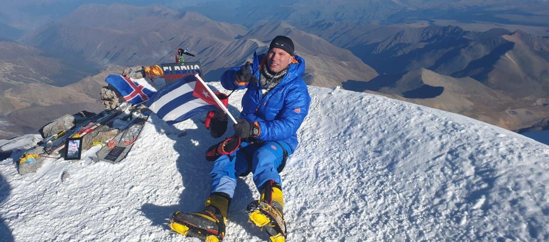 Yandy Núñez, primer cubano en escalar el Monte Elbrús de Rusia - Sputnik Mundo, 1920, 11.10.2019