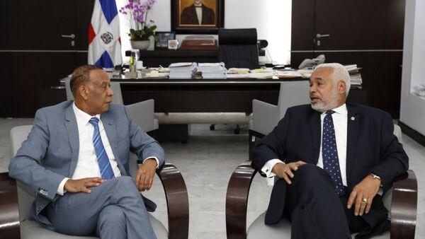 El embajador de la República Dominicana en Rusia, José Manuel Castillo Betances, junto al presidente de la Cámara de Diputados, Radhamés Camacho - Sputnik Mundo