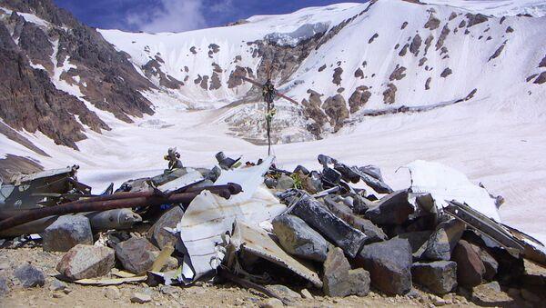 Memorial en homenaje a las víctimas del accidente aéreo en la Cordillera de los Andes - Sputnik Mundo
