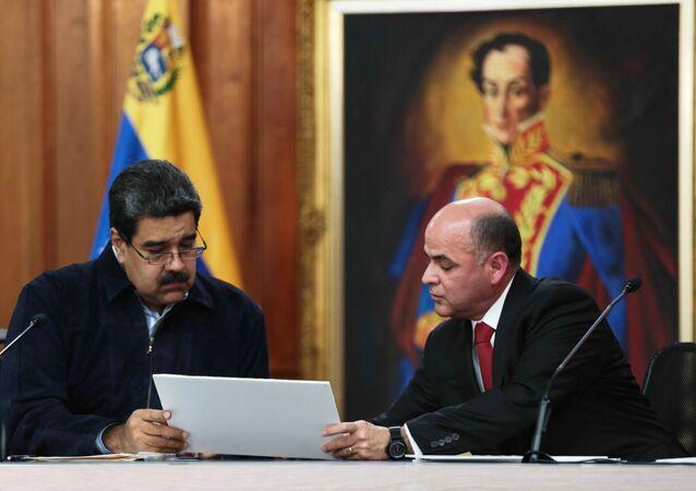 Presidente de Venezuela, Nicolás Maduro, y ministro de Petróleo venezolano, Manuel Quevedo