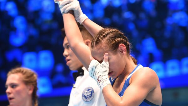 Ekaterina Paltseva, boxeadora rusa, vence el Mundial Mundial de Boxeo Femenino 2019 en la categoría peso minimosca  - Sputnik Mundo