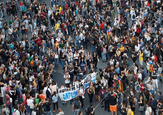 Protestas en la Plaza Universidad, Cataluña