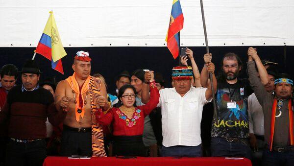 El presidente del Conaie, Jaime Vargas (centro) - Sputnik Mundo