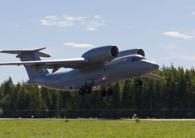 El avión de cagra ruso An-72 (archivo)
