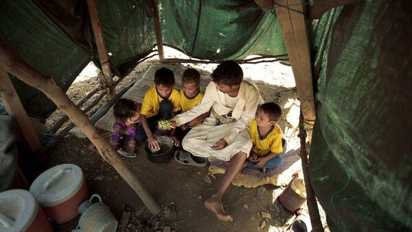 Desplazados en Yemen (archivo) - Sputnik Mundo