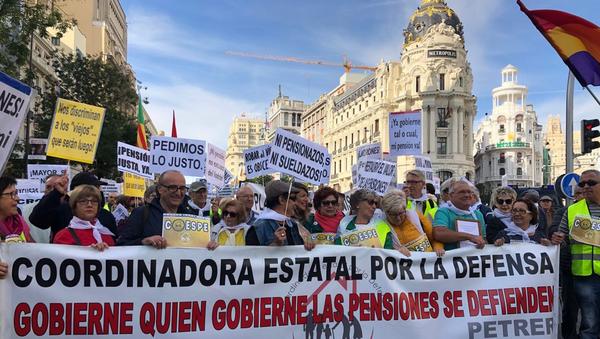 Protestas de jubilados en Madrid - Sputnik Mundo