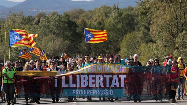 Protestas de los independentistas catalanes en España - Sputnik Mundo