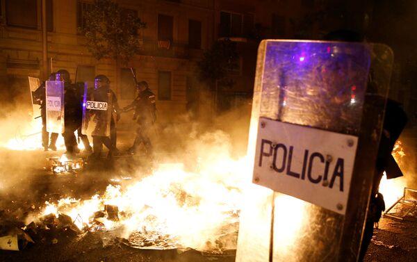 Disturbios en Barcelona, España - Sputnik Mundo