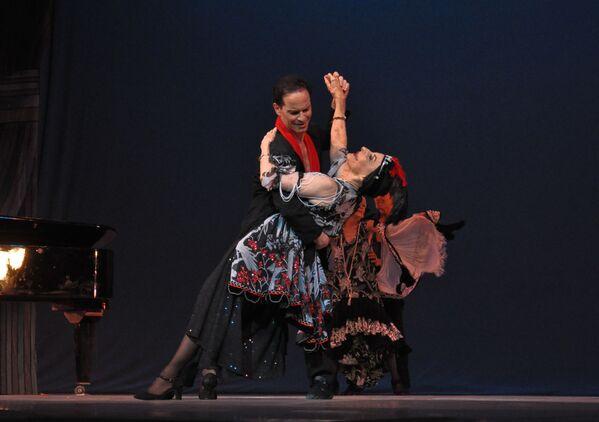 Muere Alicia Alonso: la vida de la mítica bailarina cubana, en imágenes - Sputnik Mundo