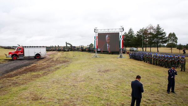 Militares mexicanos en el lugar de construcción del nuevo aeropuerto en México - Sputnik Mundo