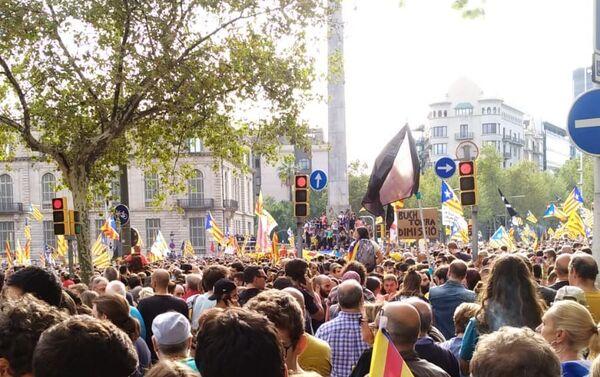 Marcha multitudianria en Barcelona - Sputnik Mundo
