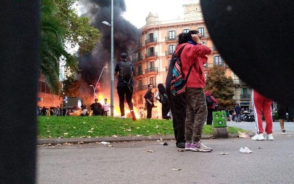 Protestas contra la sentencia del procès en Barcelona - Sputnik Mundo