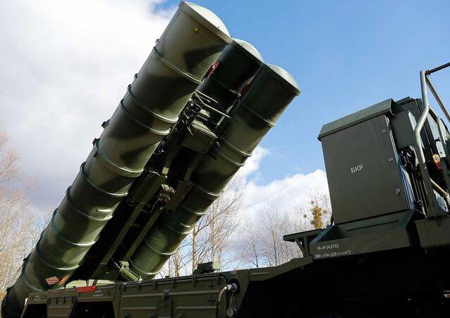 Sistema ruso de defensa antiaérea S-400, antecesor de S-500