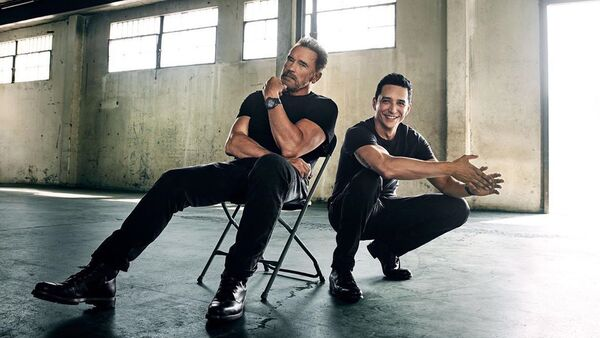 Arnold Schwarzenegger y Gabriel Luna, actores estadounidenses - Sputnik Mundo