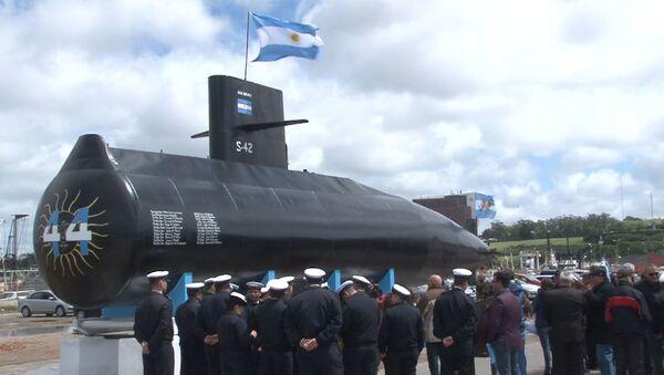 Una réplica del submarino argentino ARA San Juan en homenaje a sus víctimas - Sputnik Mundo