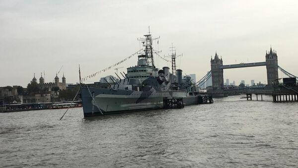 Buque británico HMS Belfast durante un emotivo acto entre Rusia y el Reino Unido en conmemoración y recuerdo de la campaña del Ártico en la Segunda Guerra Mundial - Sputnik Mundo
