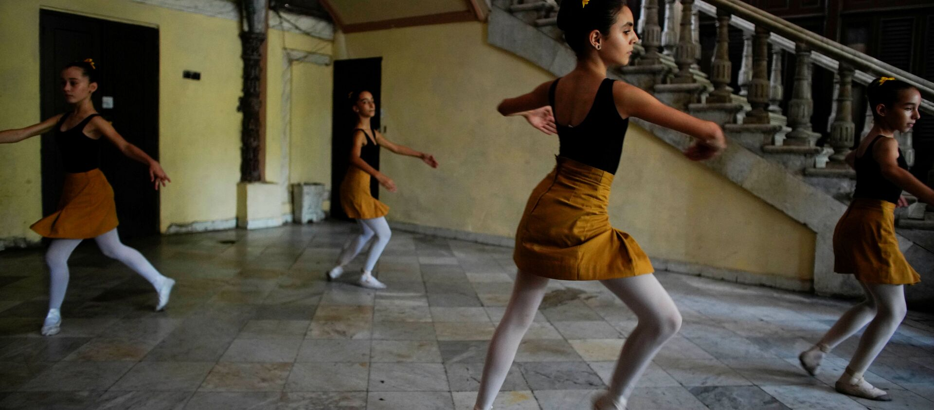 Así se entrenan los alumnos de la Escuela Nacional de Ballet de Cuba  - Sputnik Mundo, 1920, 24.10.2019