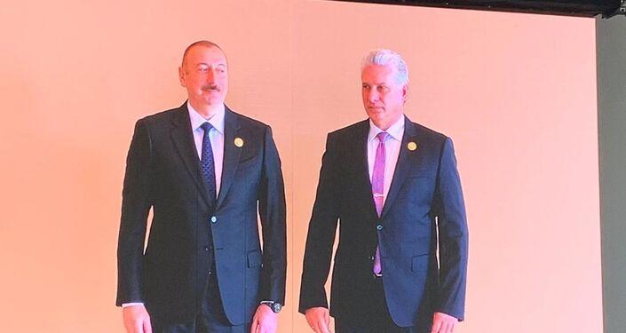 El presidente de Azerbaiyán, Ilham Aliyev, junto al presidente de Cuba, Miguel Díaz-Canel