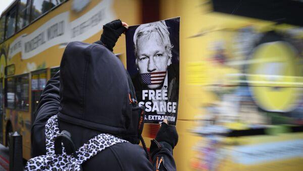 Protesta contra la extradición de Assange en Londres - Sputnik Mundo