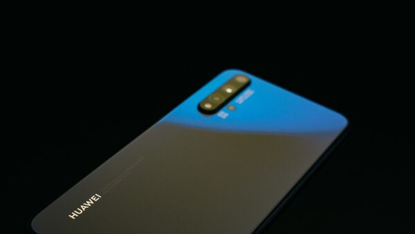 Un teléfono de Huawei - Sputnik Mundo