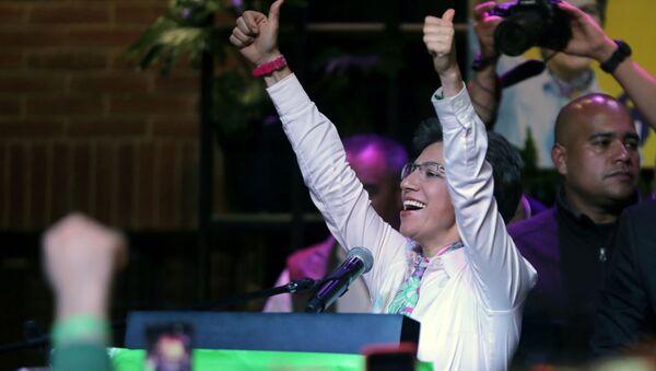 Claudia López, alcaldesa electora de Bogotá, celebra su victoria en las urnas - Sputnik Mundo