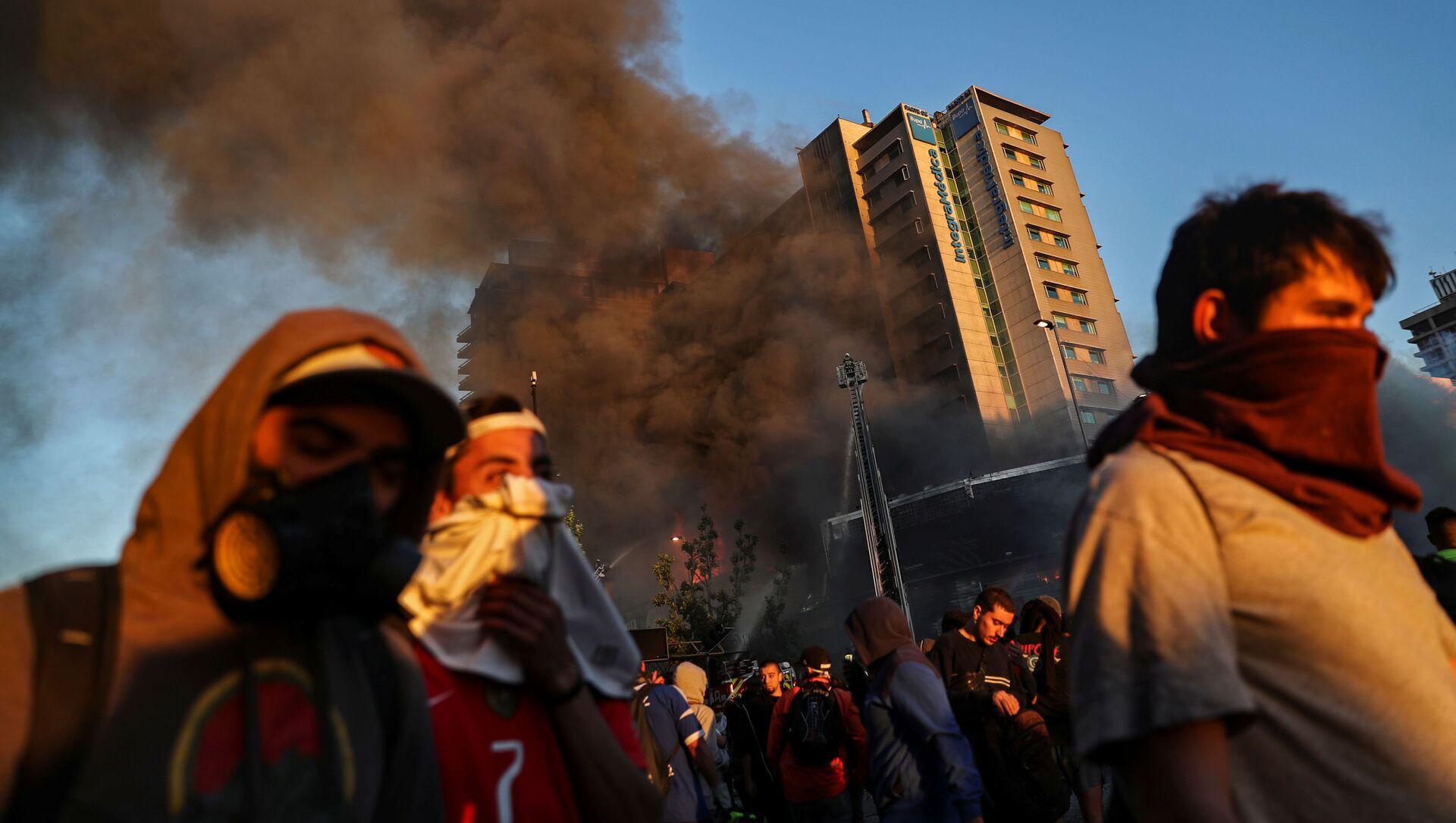 Protestas en Santiago, Chile - Sputnik Mundo, 1920, 29.10.2019