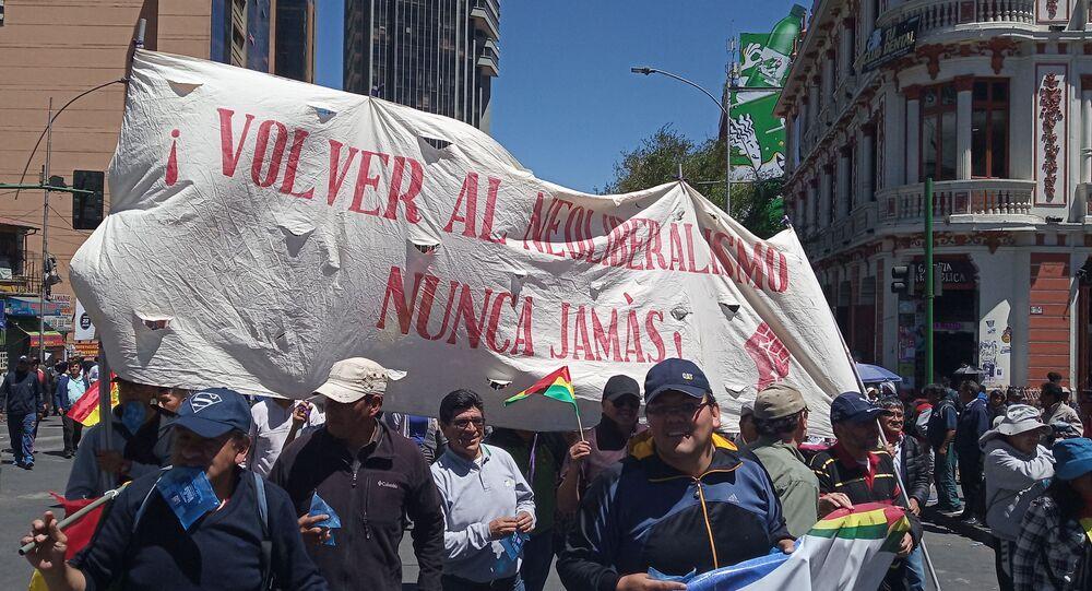 Manifestantes denuncian el intento de golpe de Estado a Evo Morales