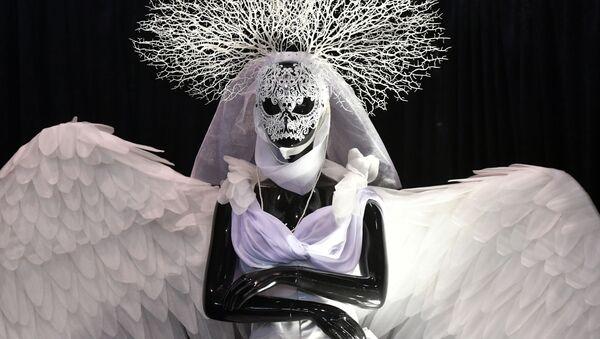 Moscú muestra las últimas tendencias de moda funeraria en la exposición Necrópol - Tanexpo 2019  - Sputnik Mundo