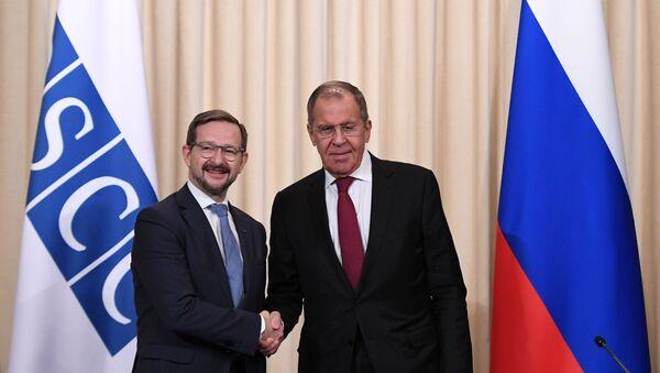 El secretario general de la OSCE, Thomas Greminger, y el ministro de Exteriores de Rusia, Serguéi Lavrov - Sputnik Mundo