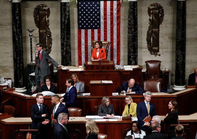 La Cámara de Representantes de EEUU vota por resolución con procedimientos para impeachment a Trump