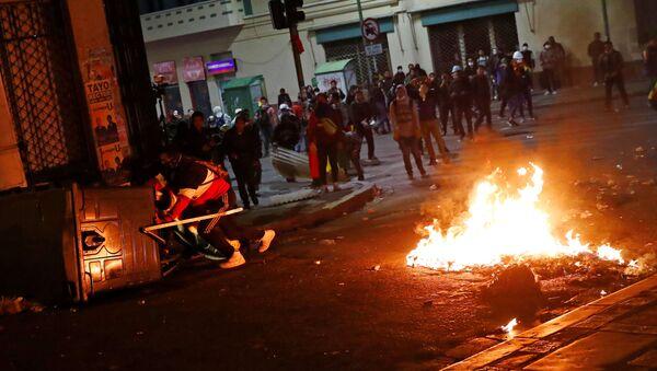 Manifestantes se movilizan el 31 de octubre en La Paz, Bolivia - Sputnik Mundo