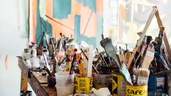 Pinturas y pinceles  - Sputnik Mundo