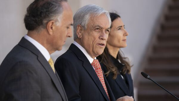 Sebastián Piñera, presidente de Chile (centro) - Sputnik Mundo