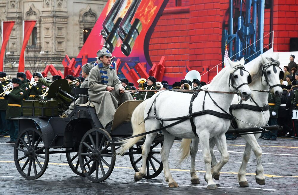 Moscú se prepara para recrear el legendario desfile militar del 7 de noviembre de 1941