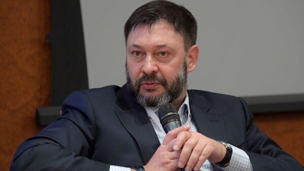 El periodista Kiril Vishinski - Sputnik Mundo