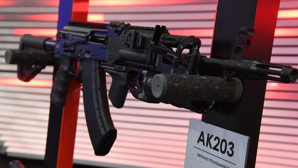 Fusil Kalashnikov AK-203 - Sputnik Mundo